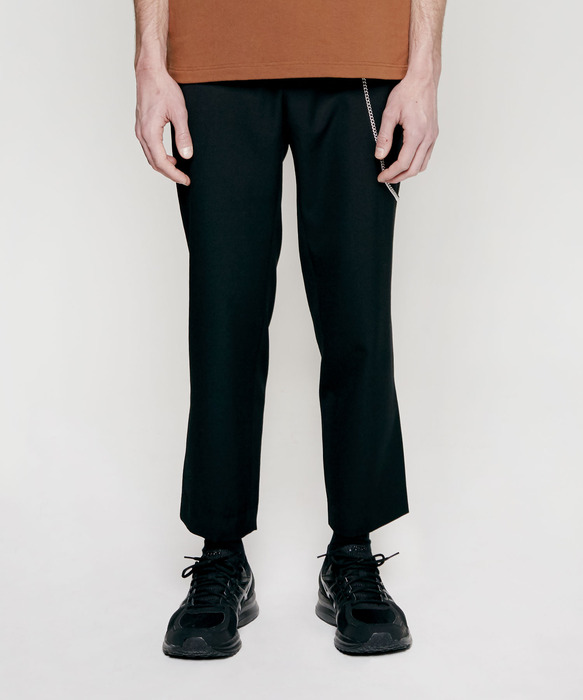 TAPERED CROP SLACKS black